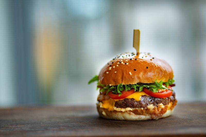 burger-close-up-delicious-1639565-800x533
